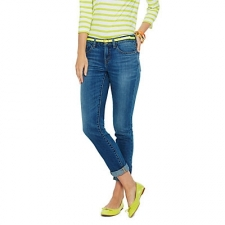 So much more than just an easy basic, the perfect skinny jean is nothing short of a wardrobe essential. Meet your new favorite pair updated for the season in a chic skinny silhouette, our latest version skims all the right spots (thanks to just the right amount of stretch), and it's a perennial staple you'd be hard-pressed to part ways with.