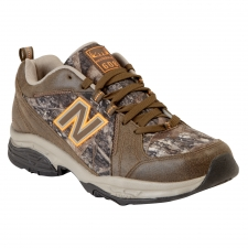 The New Balance MX608v3 shoe is a versatile trainer that's ready to hit the gym, go for a walk outside or wear running errands. An update to the popular NB X608 and X608v2 styles, this men's fitness shoe sports a durable leather and breathable mesh upper with ABZORB® cushioning for all-day comfort. The compression-molded midsole lends support, while the rubber outsole of the New Balance MX608v3 sneaker ensures slip-resistant traction.