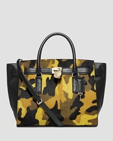 A little bit structure a little bit slouch our timeless Hamilton Traveler satchelupdated in a cool camo printis a sophisticated alternative to the everyday tote bag. The logo lock and key provide distinctive Michael Kors flair while the tonal top handles and adjustable strap imbue this musthave with easy carrying versatility. This essential is sure to deliver a dose of utilitarianchic to any look. A little bit structure a little bit slouch our timeless Hamilton Traveler satchel%E2%80%94updated in a cool camo print%E2%80%94is a sophisticated alternative to the everyday tote bag. The logo lock and key provide distinctive Michael Kors flair while the tonal top handles and adjustable strap imbue this musthave with easy carrying versatility. This essential is sure to deliver a dose of utilitarianchic to any look. Size: ONE SIZE. Color: Acid Yellow.