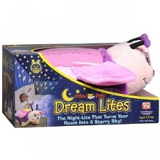 New! Ages 3 Up As Seen on TV Features: Projects a Starry Sky on Your Ceiling Walls 3 Three Soothing Colors: Amber, Blue Green 6 Shell Glows as a Comforting Night Light 7 20 Minute Sleep Timer Option The Night-Lite That Turns Your Room Into A Starry Sky! Sleeptime, Playtime. Anytime! Original Pillow Pets All Pillow Pets products have been inspected to meet or exceed USA safety requirements. Requires 3 AAA Batteries or 4.5V DC Adapter.