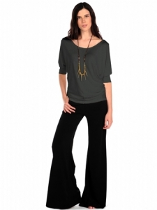 Wide leg pants with side pockets. 96% Polyester 4% Spandex